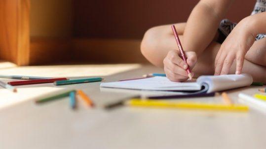 art-child-colored-pencils-1322611-539x303